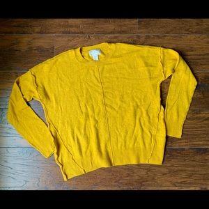 🎀 Cozy Yellow Sweater 🎀